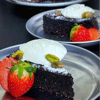 Flourless olive oil chocolate cake