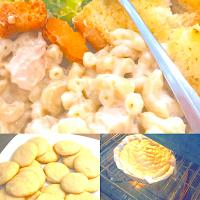 Alfredo chicken Marconi pasta,sugar cookies and a cookie cake