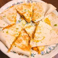 spicy lime chicken quesadillas with lime zest