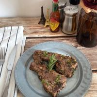 GARLIC LAMB CHOPS WITH HERBS