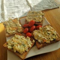 Toast with egg salad and tomatoes 🍳😋