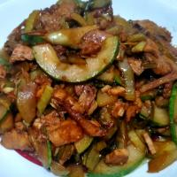 Pickle Vege with Black Soy Chicken & Cucumber