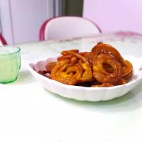 Jalebi with lemonade
