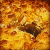 Golden Peach Crumble Slice with a Shortbread base  #homemade #peach #crumble #ilovebaking #chefemanuel